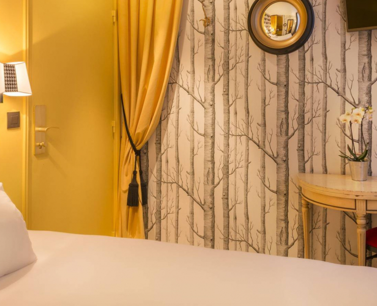 Chambre-Classique-Simple-Jaune-e1427208249101.jpg
