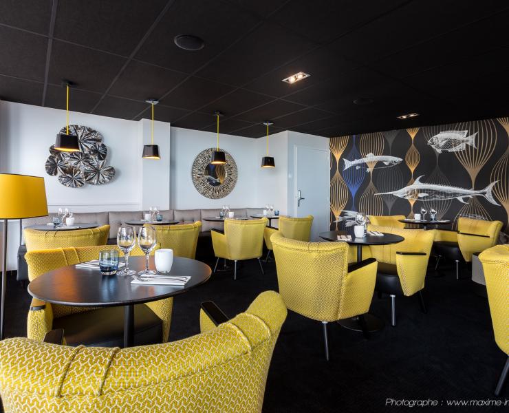 Shore-Brasserie-La-Baule-Salle-Jaune-1.jpg