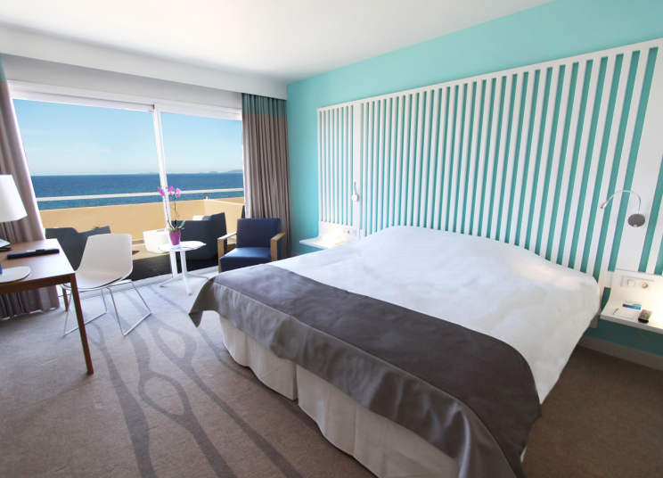 SRadisson-Blu-Corsica-Room-Sea-View.jpg